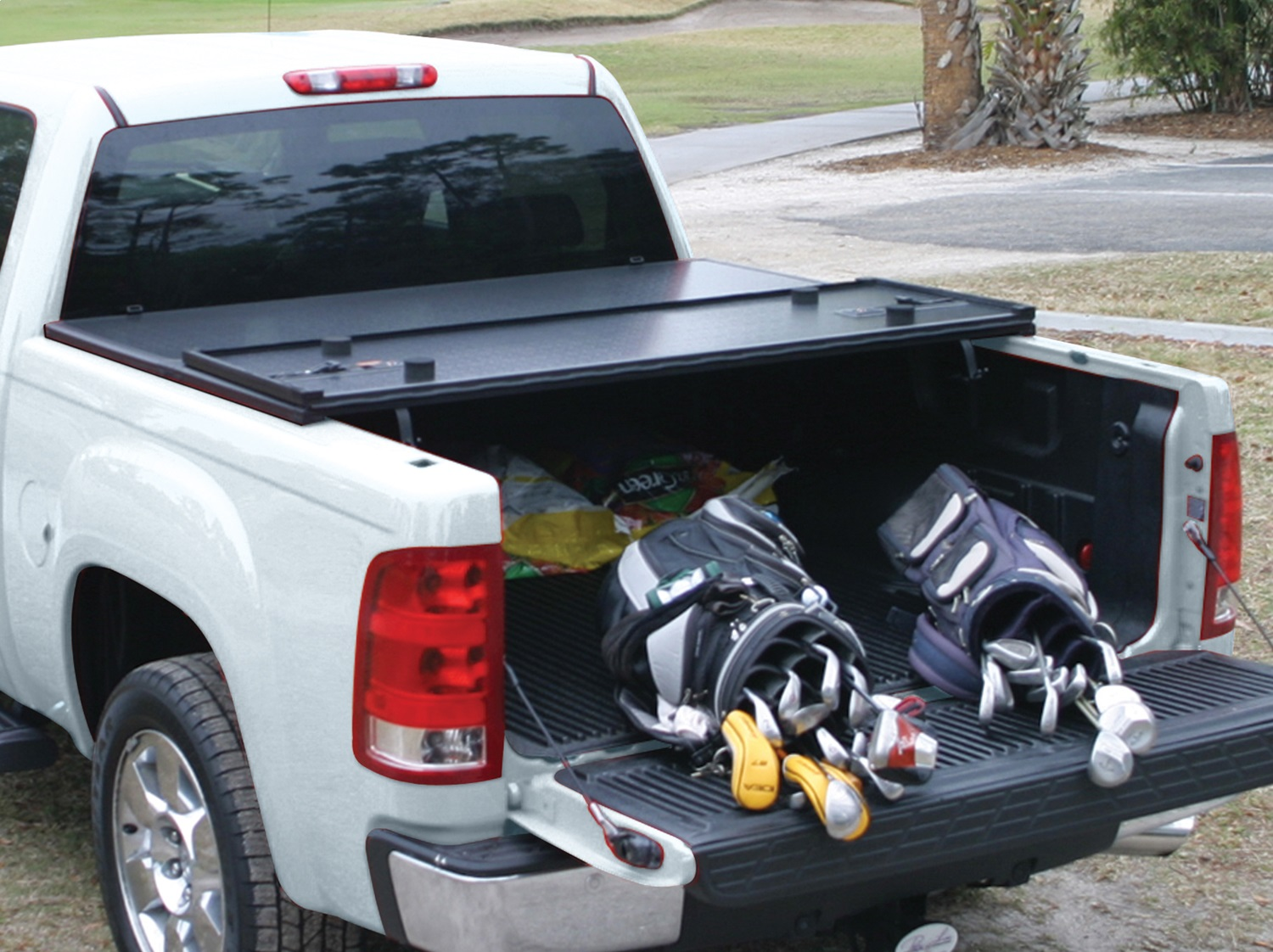 5.5 foot bed Rugged Liner HC-F5515 Tonneau Cover for Ford F-150 Pickup